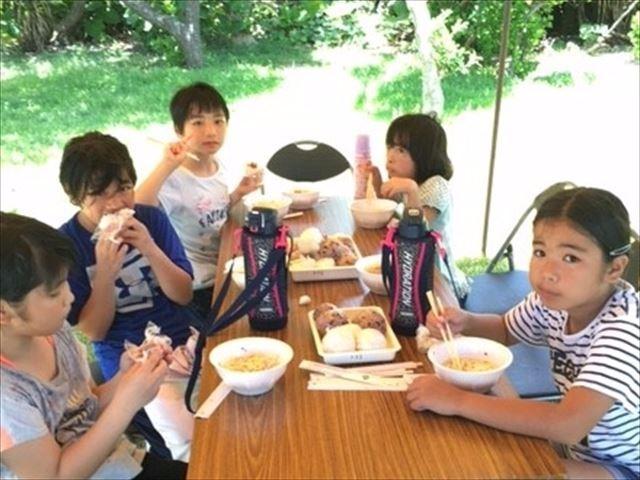 09地域交流食事会_R